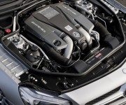 Nuova Mercedes SL 63 AMG