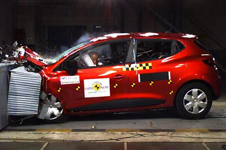 5 stelle EuroNCAP per la nuova Clio