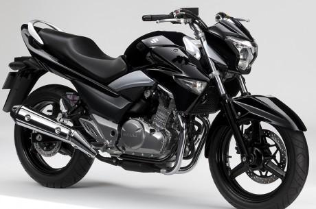Suzuki Inazuma 250 è una moto competitiva sotto molti aspetti, a cominciare dal prezzo di vendita: Euro 3.990.