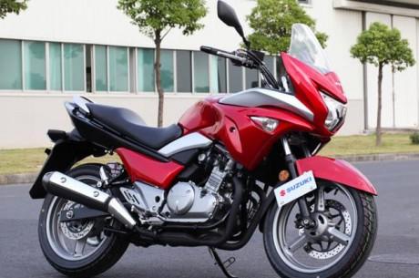 Suzuki Inazuma GW250S