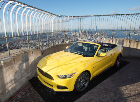 Ford Mustang compie 50 anni