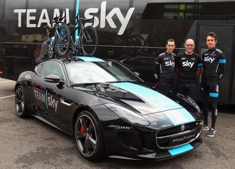 Jaguar F-TYPE R Coupe Team Sky