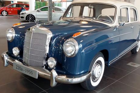 Mercedes Ponton 220a