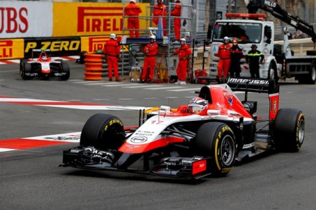 Shock in F1. In Giappone l'incidente di Bianchi. A Roma perde la vita Andrea De Cesaris