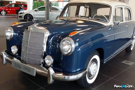 Mercedes Ponton 220A - Mercedes-Benz Classic Center