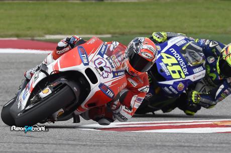 Andrea Dovizioso vs Valentino Rossi
