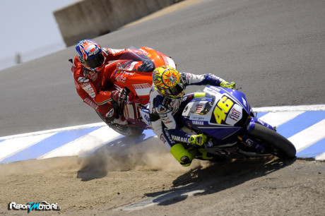 Rossi vs Stoner - Laguna Seca 2010
