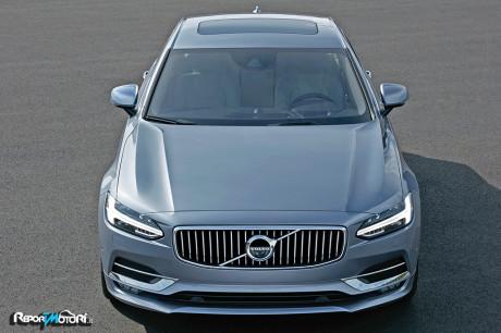 Nuova Volvo S90