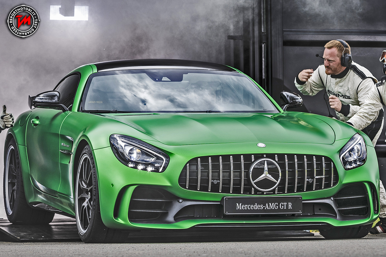 mercedes amg gt r nasce in pista per emozionare anche su strada. Black Bedroom Furniture Sets. Home Design Ideas