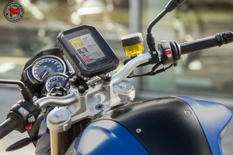 BMW-Motorrad-Smartphone-01_00