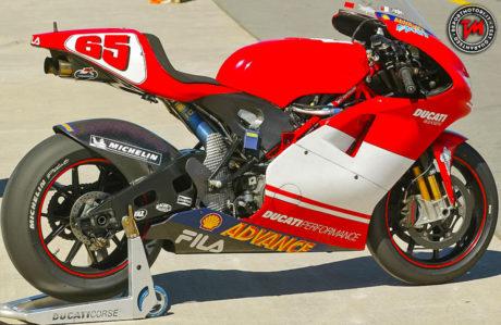 Ducati Desmosedici GP 2003