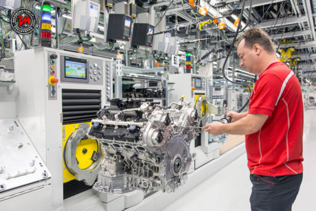 Porsche amplia la produzione dei motori V8