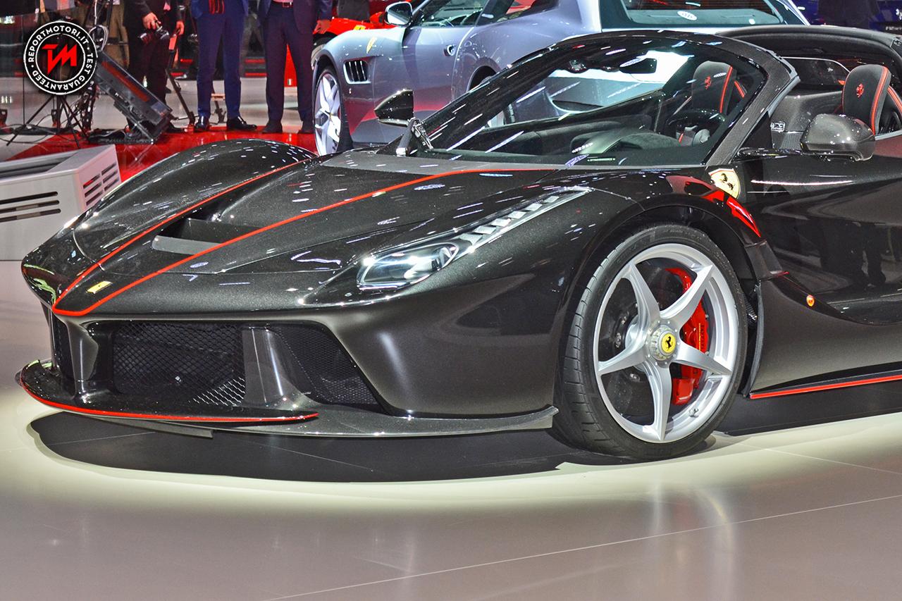 Ferrari debutta al Salone di Parigi con la GTC4Lusso T