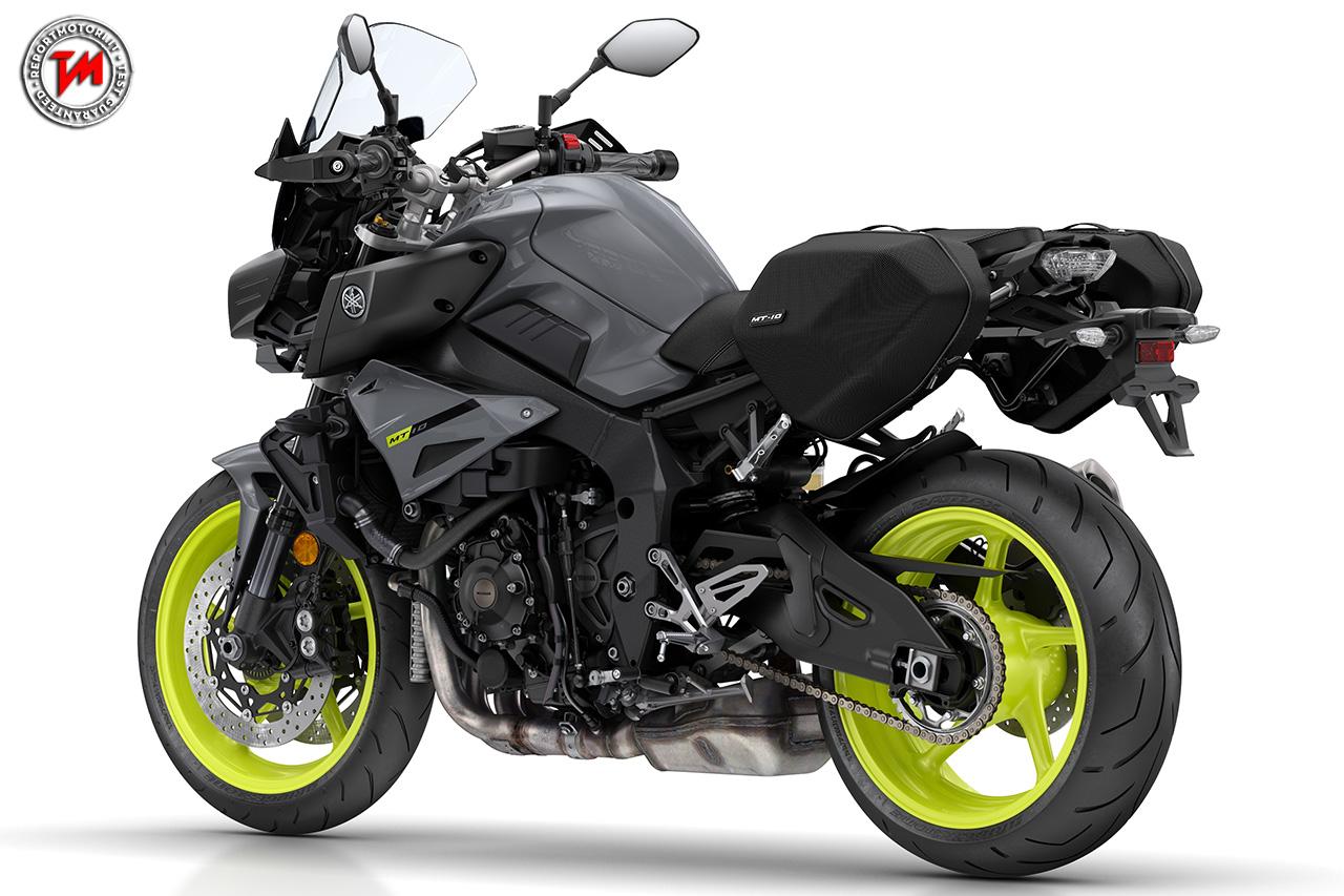 Yamaha unveils naked R1 and R3 bikes - Motorbike Writer