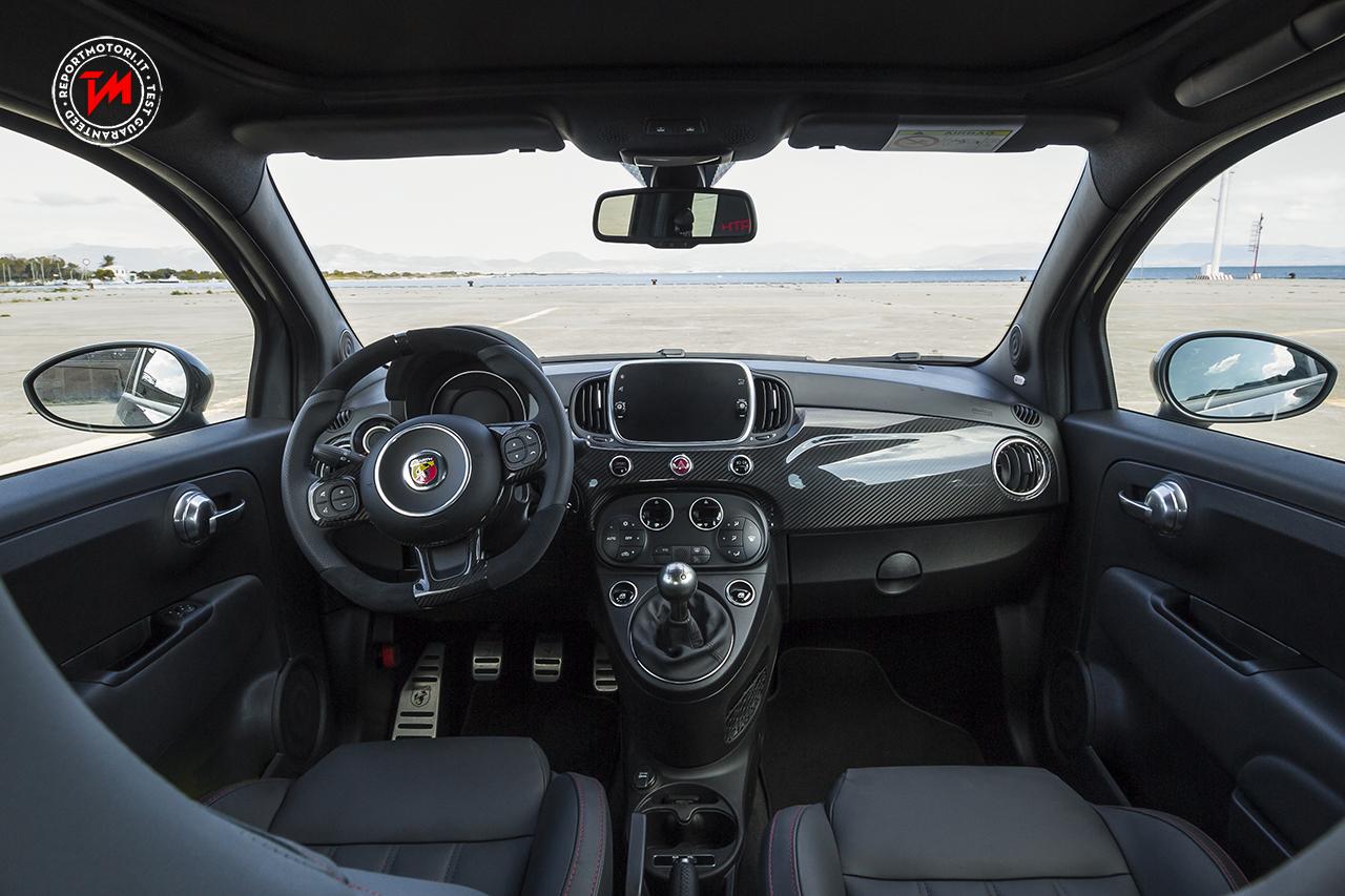 alfa romeo giulia e abarth 595 votate come best car 2018. Black Bedroom Furniture Sets. Home Design Ideas