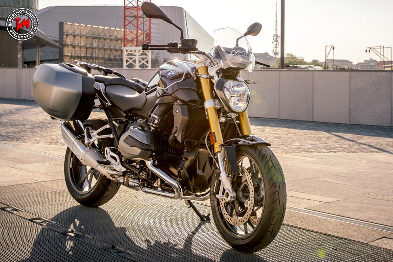 nuova bmw r 1200 r black edition una roadster unica. Black Bedroom Furniture Sets. Home Design Ideas