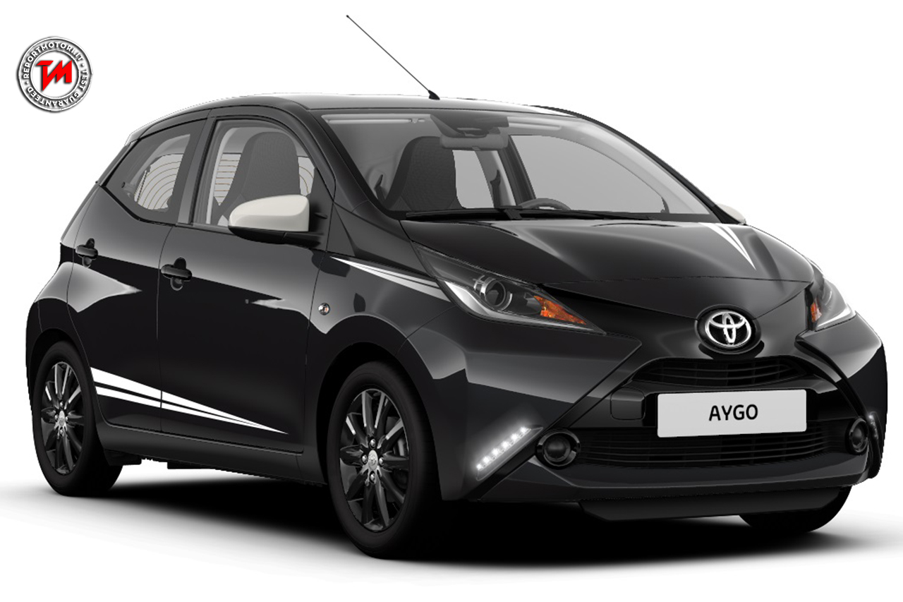 toyota aygo x black limited edition carattere sportivo per la piccola giapponese. Black Bedroom Furniture Sets. Home Design Ideas