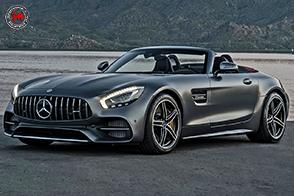 La Mercedes-AMG GT C Roadster protagonista al Salone dell'Auto di Torino