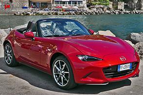 Mazda MX-5 2.0 Sport: leggerezza e divertimento assicurato