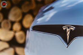 La Tesla Model X conquista il massimo punteggio nei test NHTSA