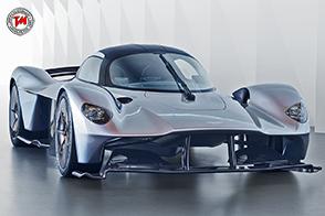 Continua lo sviluppo della futuristica Aston Martin Valkyrie