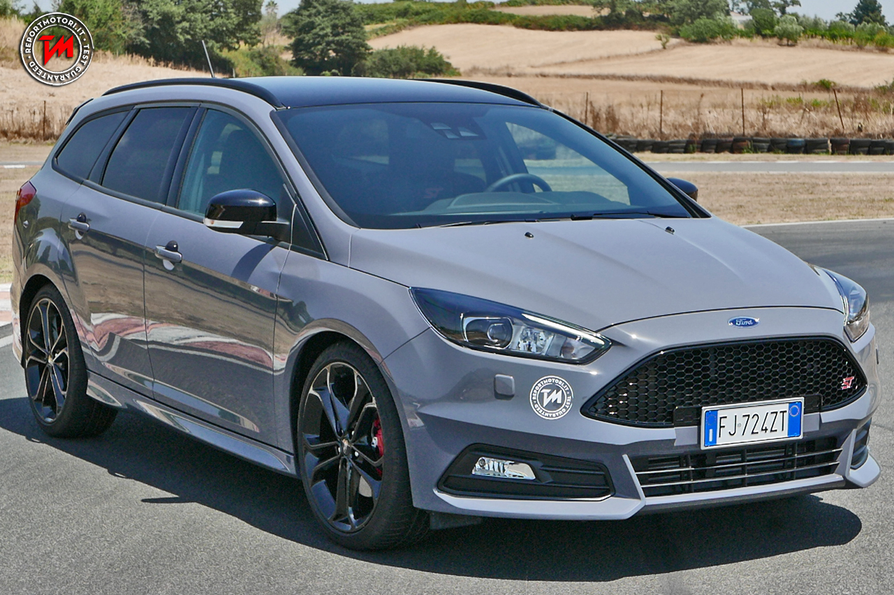 ford focus st 2 0 tdci 185 cavalli una station sportiva e con carattere. Black Bedroom Furniture Sets. Home Design Ideas