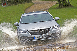 Opel Insignia Country Tourer: a Francoforte l'ammiraglia off-road!