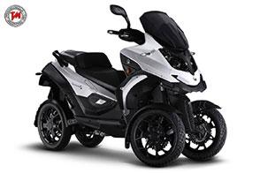 Quadro4: lo scooter a quattro ruote basculanti diventa green