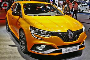 Quattro ruote sterzanti e dinamica da vendere. Nuova Renault Megane R.S.