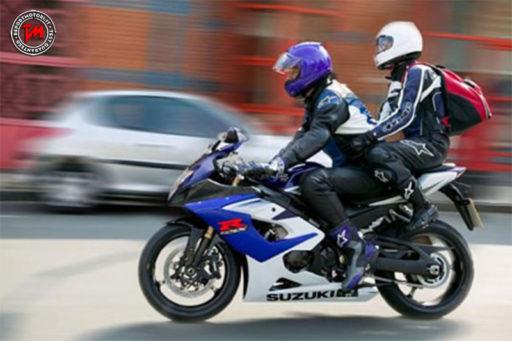 Come vestirsi per andare in moto