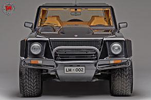 Venticinque anni di SUV Lamborghini: dalla LM002 alla Urus
