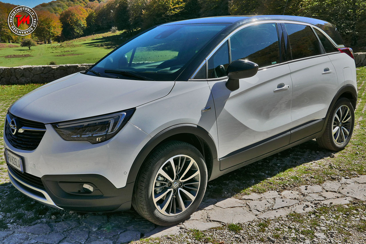 opel crossland x 1 6 120 cv innovation pi che un semplice crossover. Black Bedroom Furniture Sets. Home Design Ideas