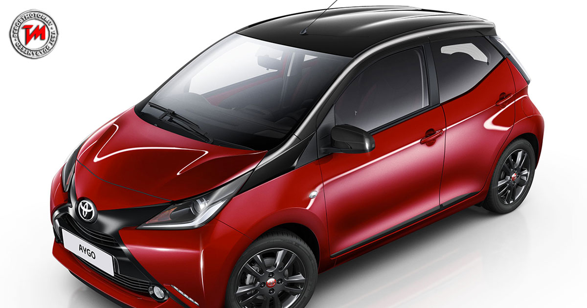 dotazione completa per la nuova toyota aygo x cite red bi tone. Black Bedroom Furniture Sets. Home Design Ideas