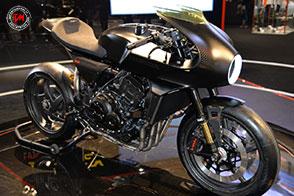 Una cafè racer futuristica la Honda CB4 Interceptor