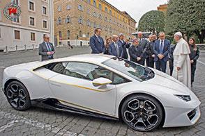 Donata una Lamborghini Hurcan RWD a Papa Francesco