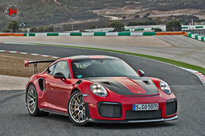 Una Porsche stradale che ha dell'incredibile: è la 911 GT2 RS