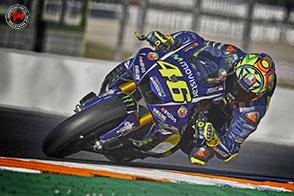 Nella prima giornata di test, Valentino Rossi risale sulla M1 2016!