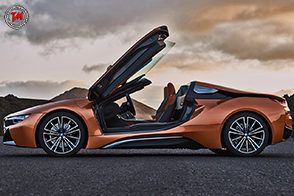 Peso contenuto e potenza alle stelle per la nuova BMW i8 Roadster