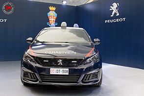 Consegnata una Peugeot 308 GTi all'Arma dei Carabinieri