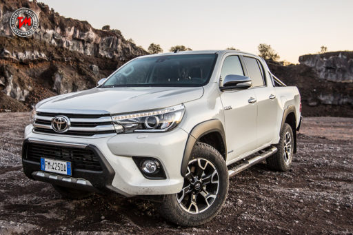 Toyota Hilux Invincible50
