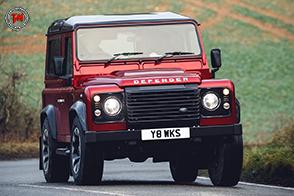 Solo 150 esemplari per l'esclusiva Land Rover Defender Works V8