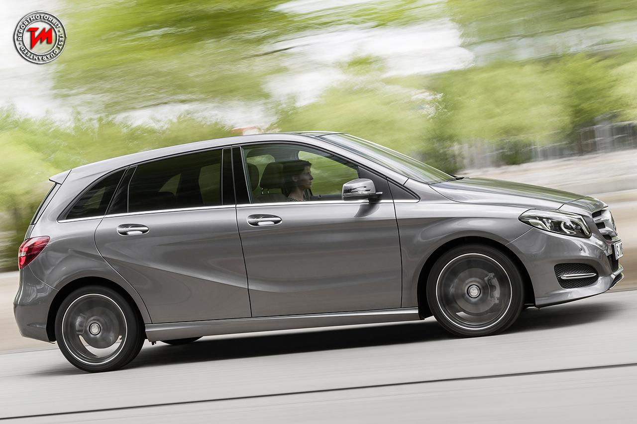Mercedes benz classe b tech limited edition tra spazio e for Mercedes benz techs