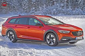 Opel Insignia Country Tourer con trazione integrale Twinster e torque vectoring