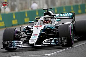 In Azerbaijan vittoria per Hamilton, scontro tra le Red Bull