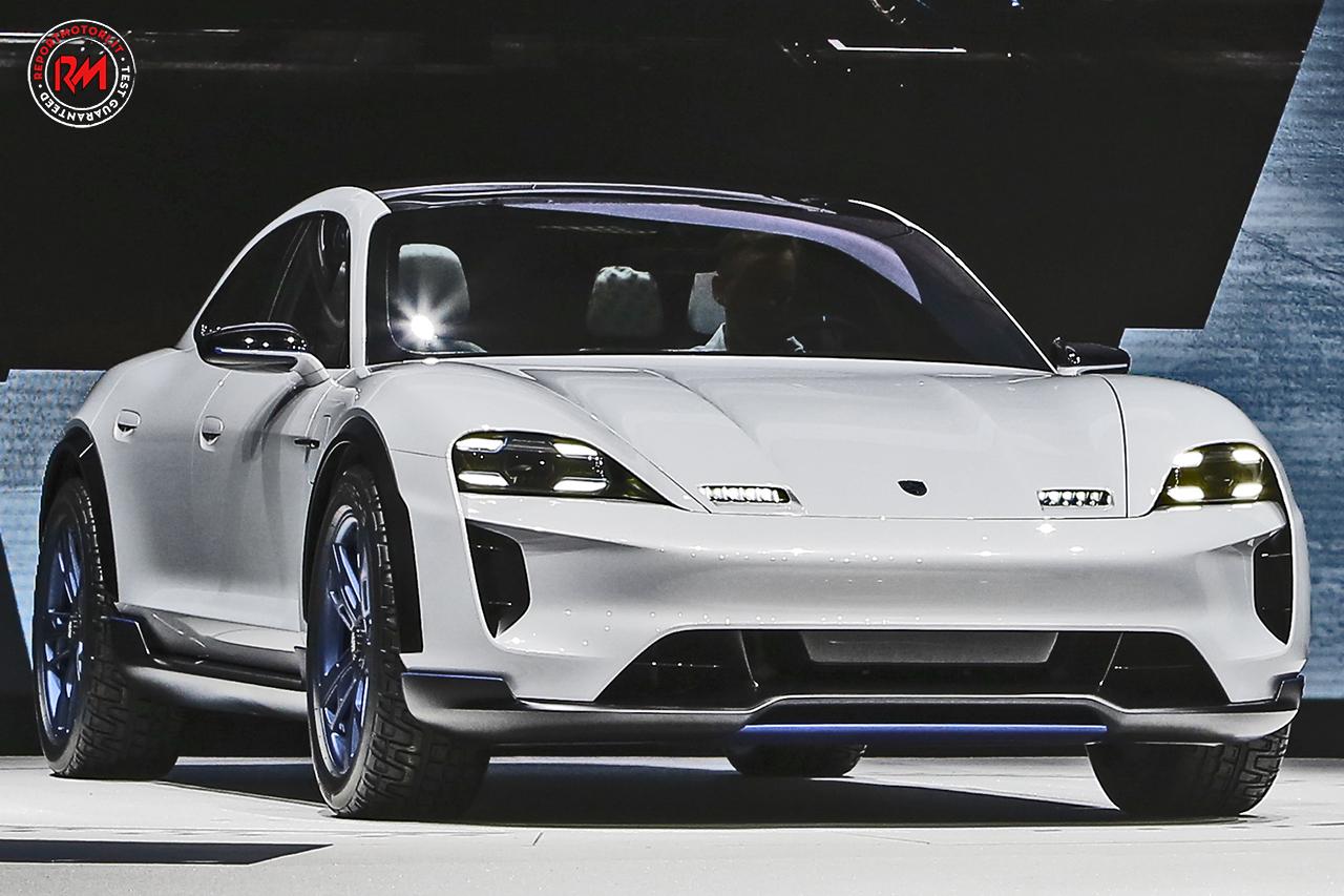 Al Salone Di Ginevra Porsche Presenta La Futuristica Mission E Cross Turismo