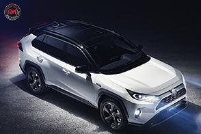 Toyota presenta al pubblico la quinta generazione di RAV4