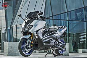 Il più avanzato scooter sportivo: Yamaha TMAX SX Sport Edition