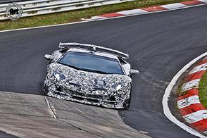 Per la nuova Lamborghini Aventador un futuro ibrido ed aspirato