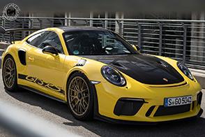 Leggerezza e performance per la Porsche 911 GT3 RS Weissach Package