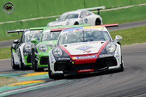 Spettacolo tra duelli e sorpassi ad Imola nel primo round del Porsche Carrera Cup Italia 2018